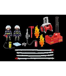 Pompieri Cu Pompa De Apa