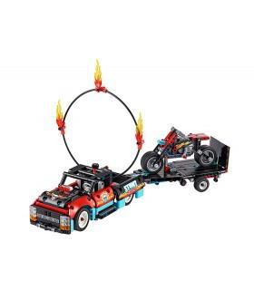 Camion Si Motocicleta Pentru Cascadorii