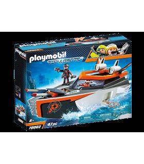 Echipa De Spioni Cu Barca Turbo