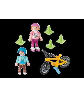 Figurina Copii Cu Role Si Bicicleta