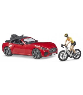 Masina Roadster Cu O Bicicleta De Curse Si Ciclist