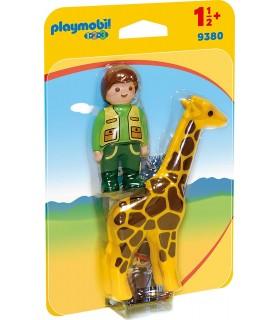 Ingrijitor Zoo Cu Girafa
